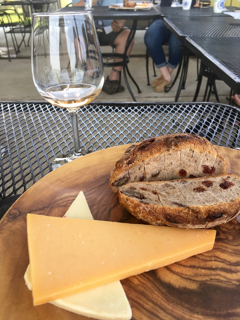 Chatham Vineyards, wine and cheese