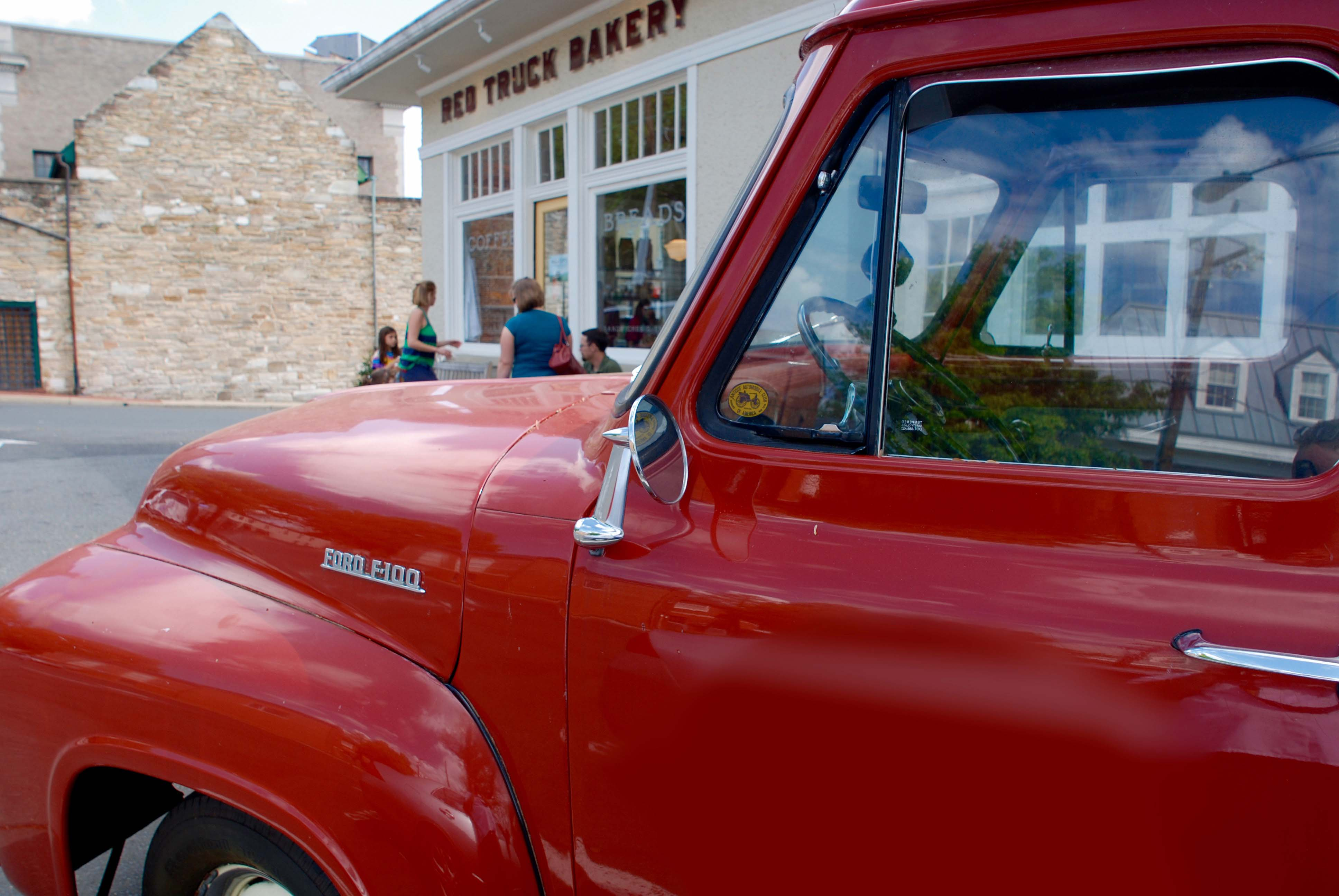 1954 cherry red Ford F-100 pickup truck, Red Truck Bakery