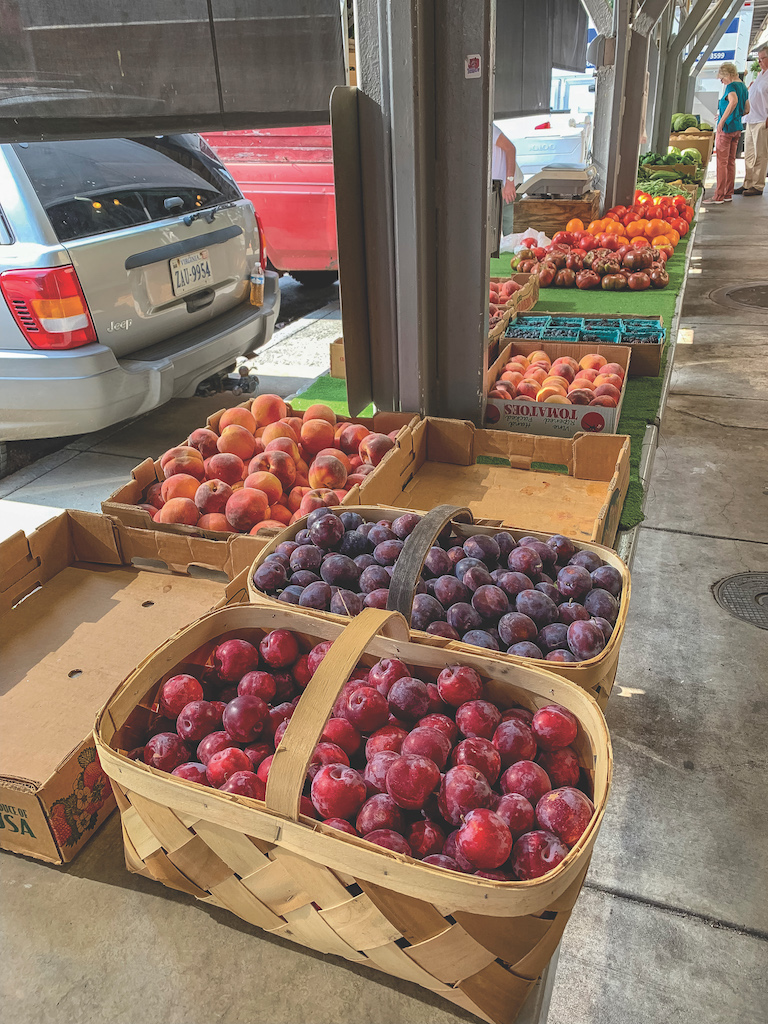 Roanoke farmers market