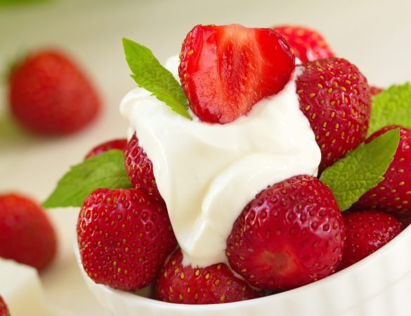 Fresh Strawberries and Homemade Whip Cream Recipe