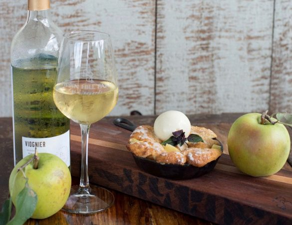 Pippin Hill Farm & Vineyards' Virginia Apple Cobbler