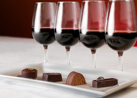 8 Virginia Wine Valentine's Day Events You'll Love