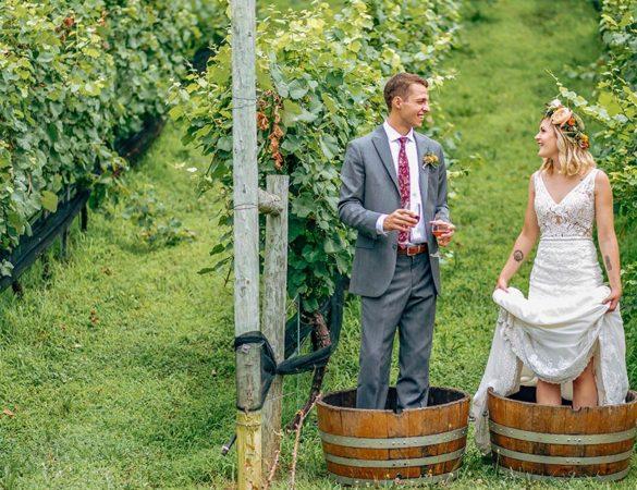 Love Among the Vines : Winery Weddings